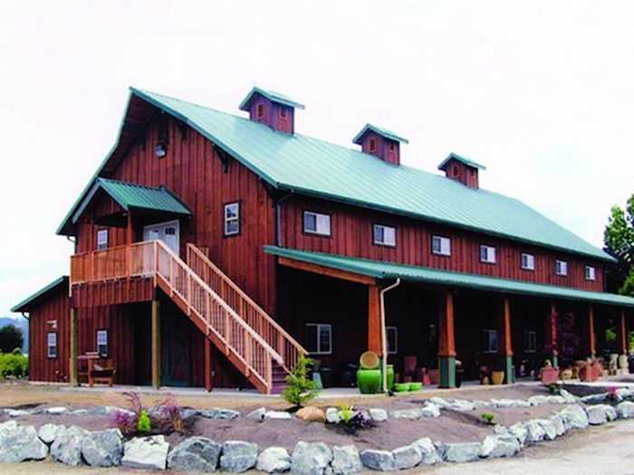 Commercial | Pole Barn Builder specializing in Post Frame