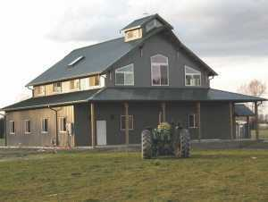 A new pole barn built by Spane Buildings in Snohomish County Washington