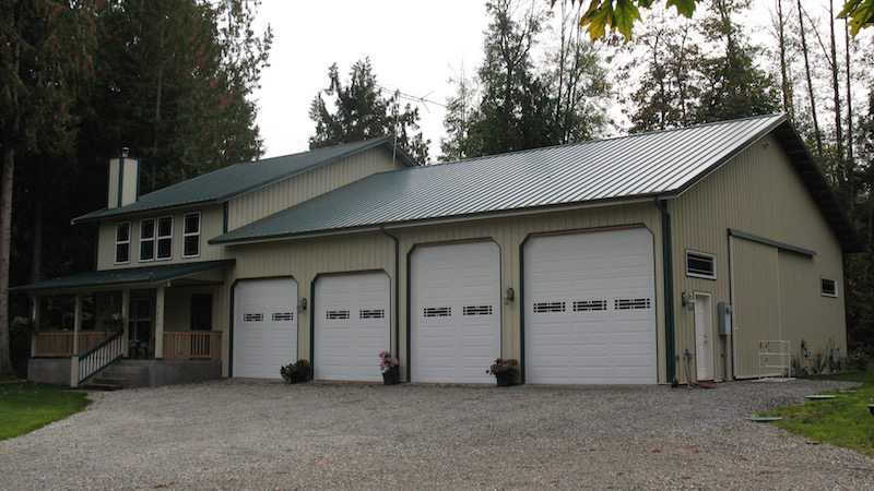 Homes pole barn builder specializing in post frame buildings for Pole barn residential homes
