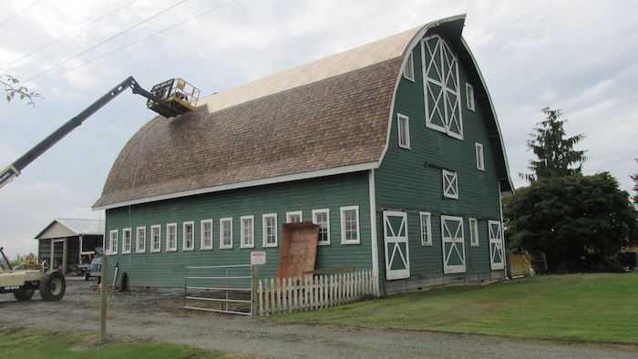 A barn reroof by Spane Buildings in progress in Monroe WA