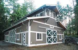 Corner view of another garage built by Spane Buildings in Puyallup WA