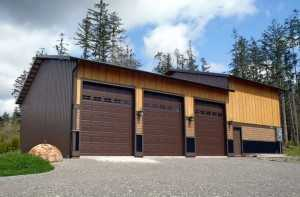 Three car garage built by Spane Buildings